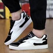 รองเท้าแฟชั่น ผู้ชาย > แถบสีดำ