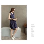 GROSSชุดเดรสผ้าฝ้ายพิมพ์ลายลูกเชอรี่สีขาวสไตล์ญี่ปุ่นแขนกุดกระดุมหน้าอกสีน้ำเงิน