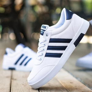 รองเท้าผ้าใบ ผู้ชาย > สีฟ้าแถบขาว