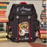 💞Gucci Tiger and Slogan Embroidered canvas backpack💞 เป้ไซสใหญ่จุใจ จิงๆแล้วเป็นบอยไซส์ แต่ถ้าใครชอบใหญ่ๆก็จัดเลยค่ะ