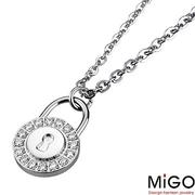 (MiGO)[MiGO] concerned women fall