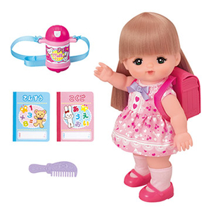 (小美樂娃娃)Little Merlot Merlot little doll to school