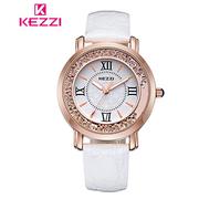 【17mall】KEZZI นาฬิกาควอทซ์สายหนังสไตล์คลาสสิคหน้าปัดคริสตัล - สำหรับผู้หญิง