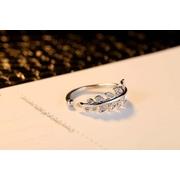 เครื่องประดับแฟชั่น แหวนแฟชั่น แหวน คริสตัล ใบมะกอก ปรับขนาดได้ Crystal Olive Leaf Ring Adjustable