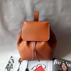 กระเป๋าเป้ MANGO BACKPACK สะพายหลัง ทรงขนมจีบ พู่ พร้อมส่ง ที่ไทย ยี่ห้อ Mango ชนชอปไทย 2017 กระเป๋า หนังเรียบสวย กระเป๋าถือพร้อมสายสะพายทรงขนมจีบ เปิ