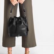 กระเป๋าสะพายข้าง CHARLES & KEITH DRAWSTRING BUCKET BAG ชนชอป สิงคโปร์ 2017 ทรงขนมจีบ
