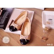 พร้อมส่ง : รองเท้าคัทชู Chanel Bow Flat (สีขาว)