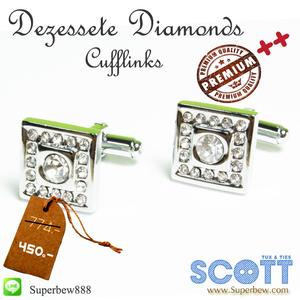 Dezessete Diamonds - Cufflinks (กระดุมข้อมือ) ทรงสี่เหลี่ยมจตุรัส ล้อมเพชร ผลิตจาก ทองเหลืองชุบเงิน แวววาว พร้อม Gift Boxed