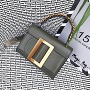 กระเป๋าแฟชั่น รุ่นใหม่ล่าสุด สไตล์ Boyy Belt bag รุ่นนี้เป็น cross body ที่เก๋มากๆ สามารถปรับสายสะพายได้สองเเบบ แบบสั้นจะถือเป็นโซ่เก๋ๆ หรือจะเป็น cro