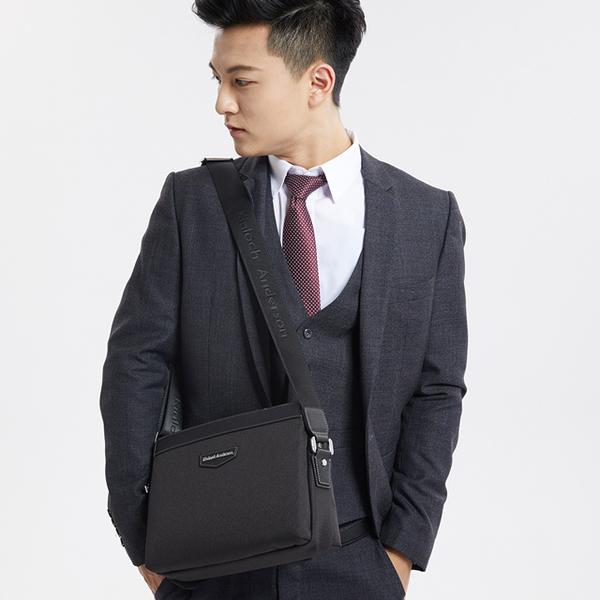 (Kinloch Anderson)[金安德森] Metropolis multi-story business large side backpack - black (KA182102BKF)