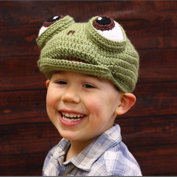 Crochet child frog wool warm hat