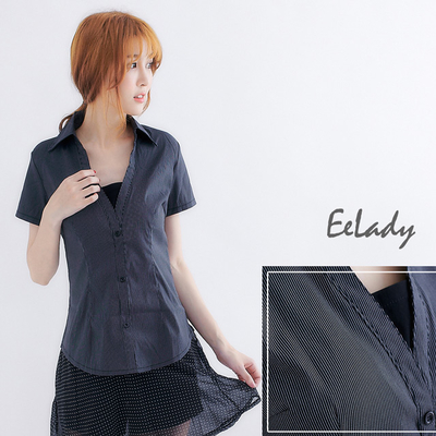 [EE-LADY medium size] fake two V-neck small cute short-sleeved shirt