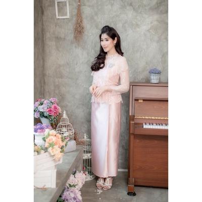 Set เสื้อลูกไม้แต่งระบายสีชมพู ตัวเสื้อทางร้านใช้ผ้าลูกไม้