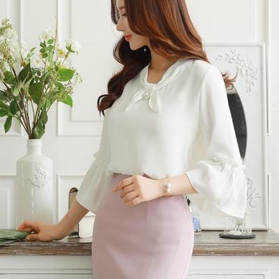 เสื้อแขนยาวผ้าชีฟองแต่งระบายที่แขนเสื้อ Pearl Accent Ribbon