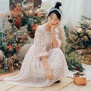 สีชมพู เดรสยาวผ้าชีฟอง ลายดอกไม้ อกและบ่าสม็อค