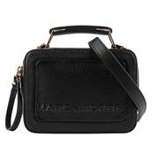 Marc Jacobs พื้นผิวขนาดเล็กกล่องกระเป๋ากระเป๋ากล้อง (สีดำ) M0014840 001