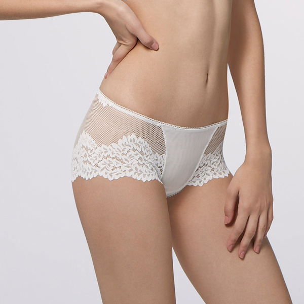 Ma Dengma very concentrated low-cut flowers flat lace panties (ivory white)