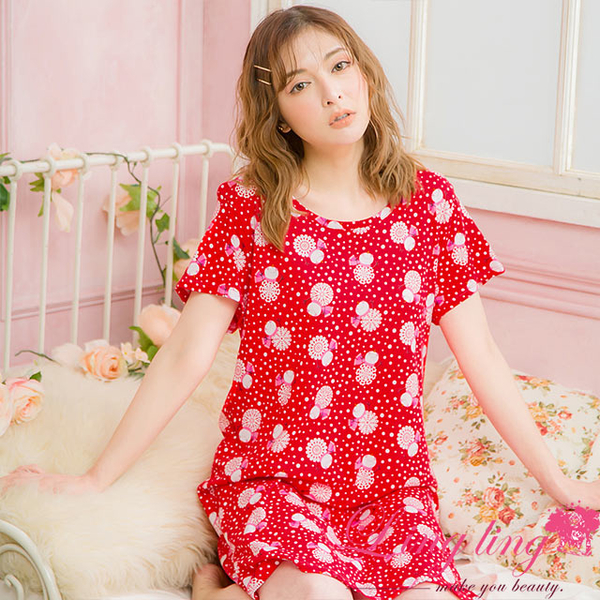Lingling A4077 full size - thermal four-pointed snowflake cotton short-sleeved dress pajamas (enthusiasm red)