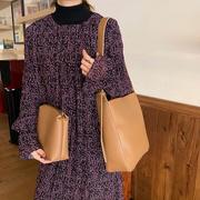 [Abigail] กระเป๋าสะพาย Crossbody ความจุสูง 6620 (สีน้ำตาล)
