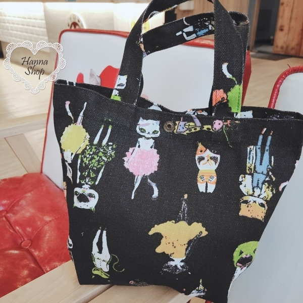 Huahua Club-Outflow. Funny cat black canvas bag outflow limited portable bucket bag [H6795]