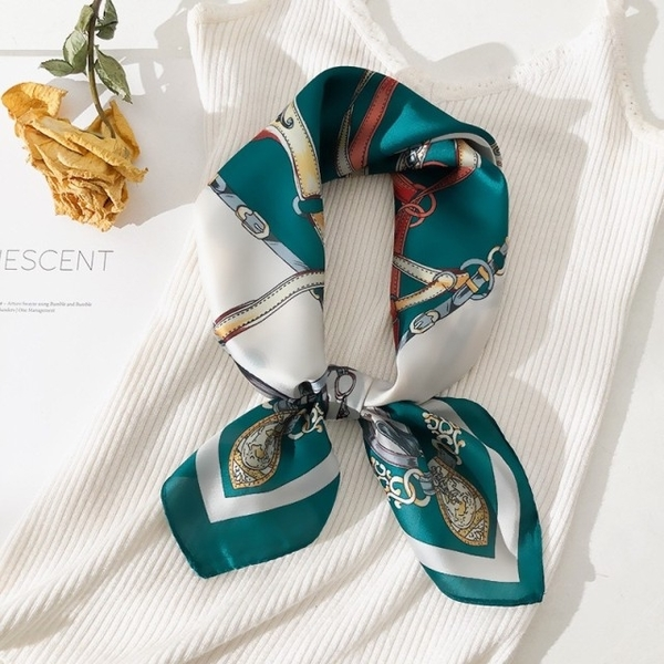 vivi fashion scarf, spring and autumn summer new wild scarf, small square scarf 070305 green