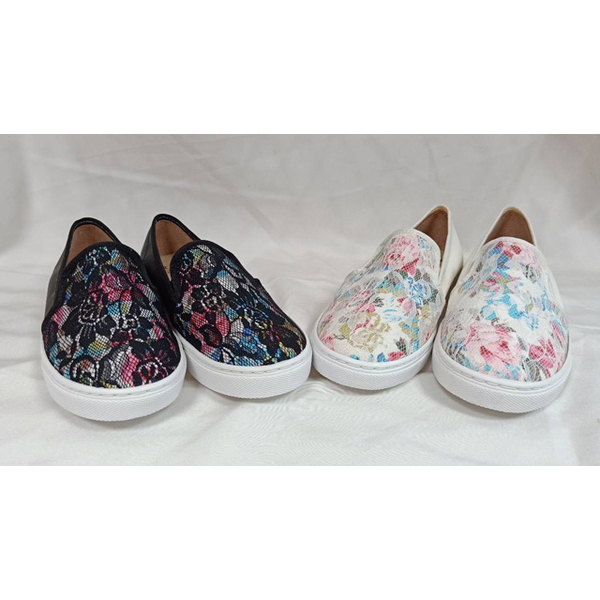 (TW Shoes)Taiwan shoes net ‧ MIT lace color flower cloth stitching flat casual shoes / lazy shoes [K130AF6004]