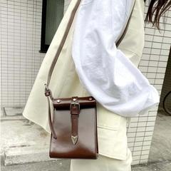 [WHO's WHO gallery]  กระเป๋าหัวเข็มขัดหนังสไตล์วินเทจ