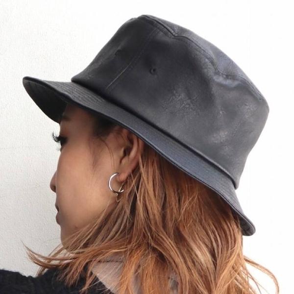 [EMODA]  หมวกบักเกตหนัง (ดำ/เบจ)