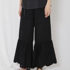 [Ungrid] กางเกงขากว้างยางยืดปักลายลูกไม้